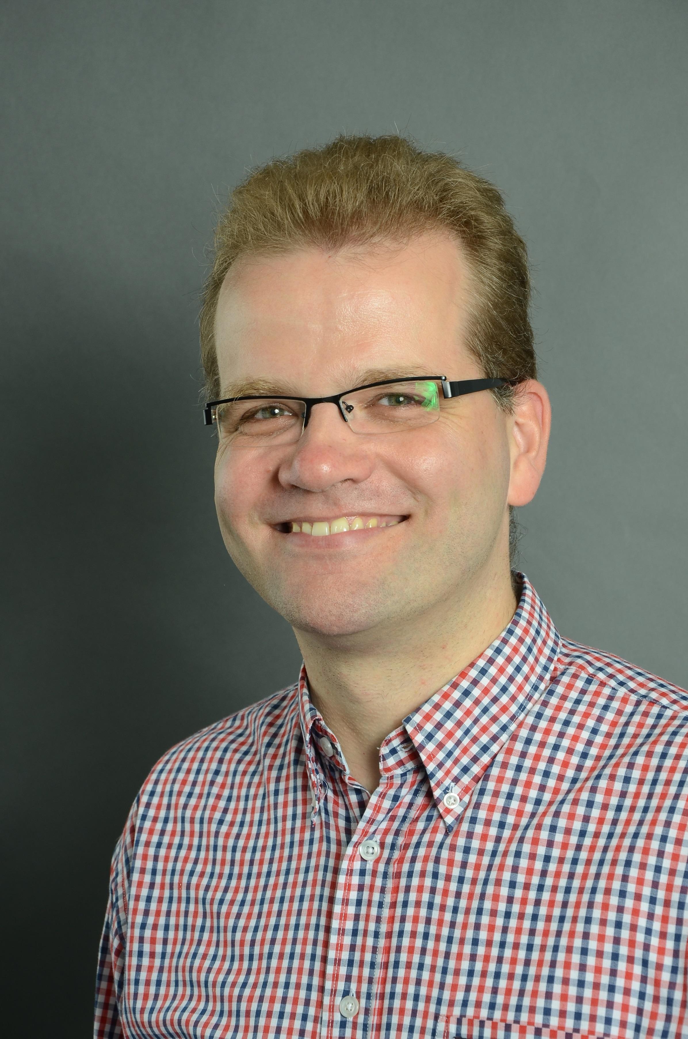 Dr. Peter Sölken